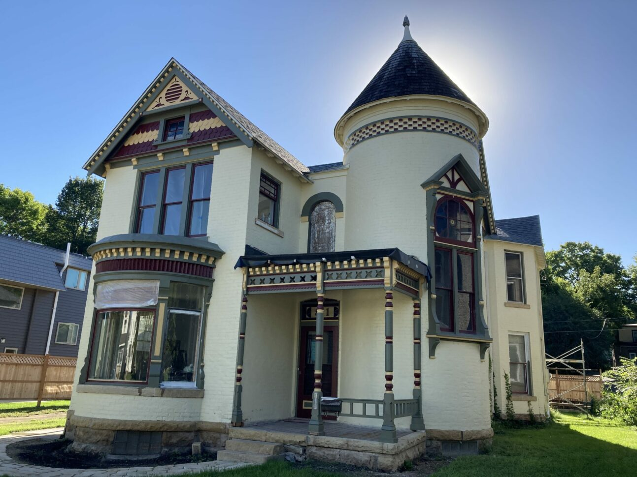 Moulin Rouge Bed & Breakfast House, 811 South Second Street, Mankato
