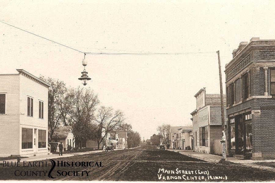 Vernon Center Main Street, Black and white image, c.1908